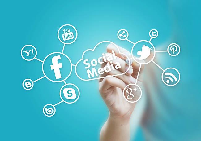 social-media-voi-quang-cap