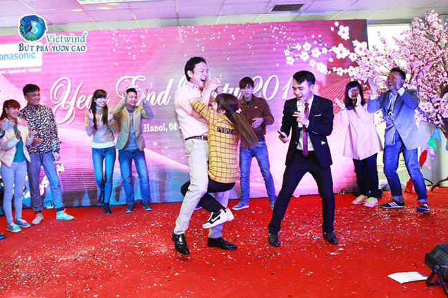 tiec-cuoi-nam-game-show-vui-vietwind-event