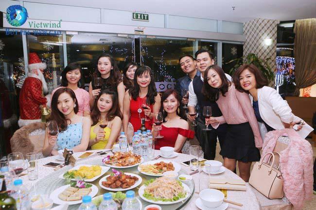 to-chuc-tiec-cuoi-nam-cong-ty-an-binh-201611