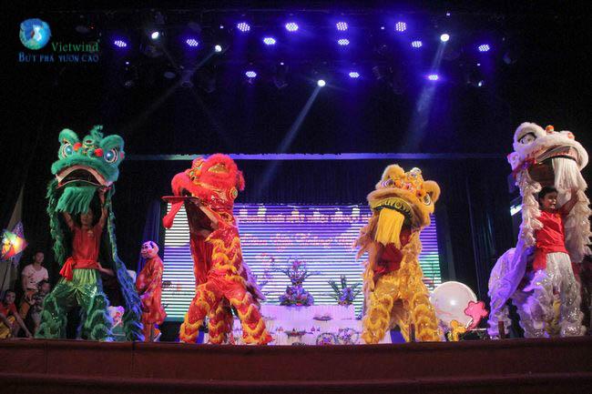 Kịch bản chương trình tổ chức trung thu cho thiếu nhi - múa lân khai mạc chương trình