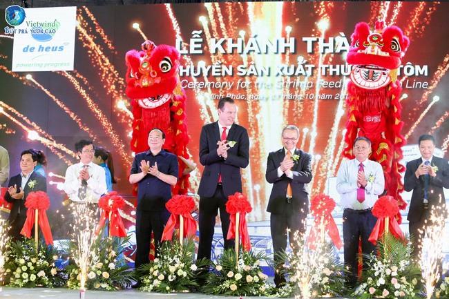 khanh-thanh-day-chuyen-san-xuat-nha-may-deheus24