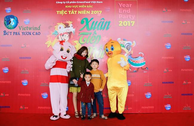 tô chức tiệc cuối năm kết hợp ngày hội gia đình - Vietwind event
