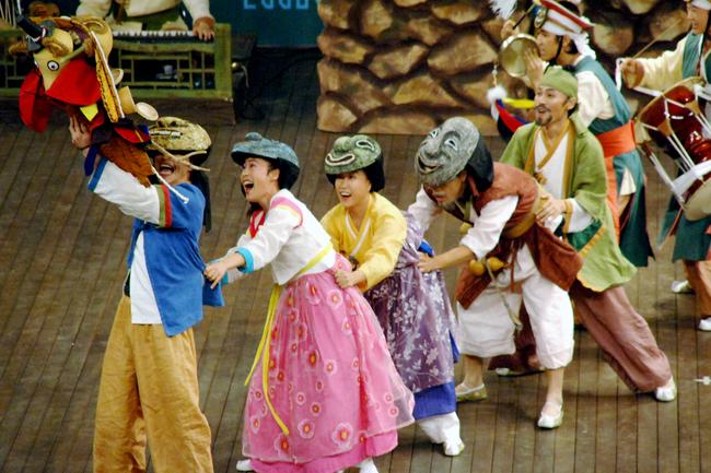 ý tưởng tổ chức tiệc cuối năm theo phong cách Hàn Quốc